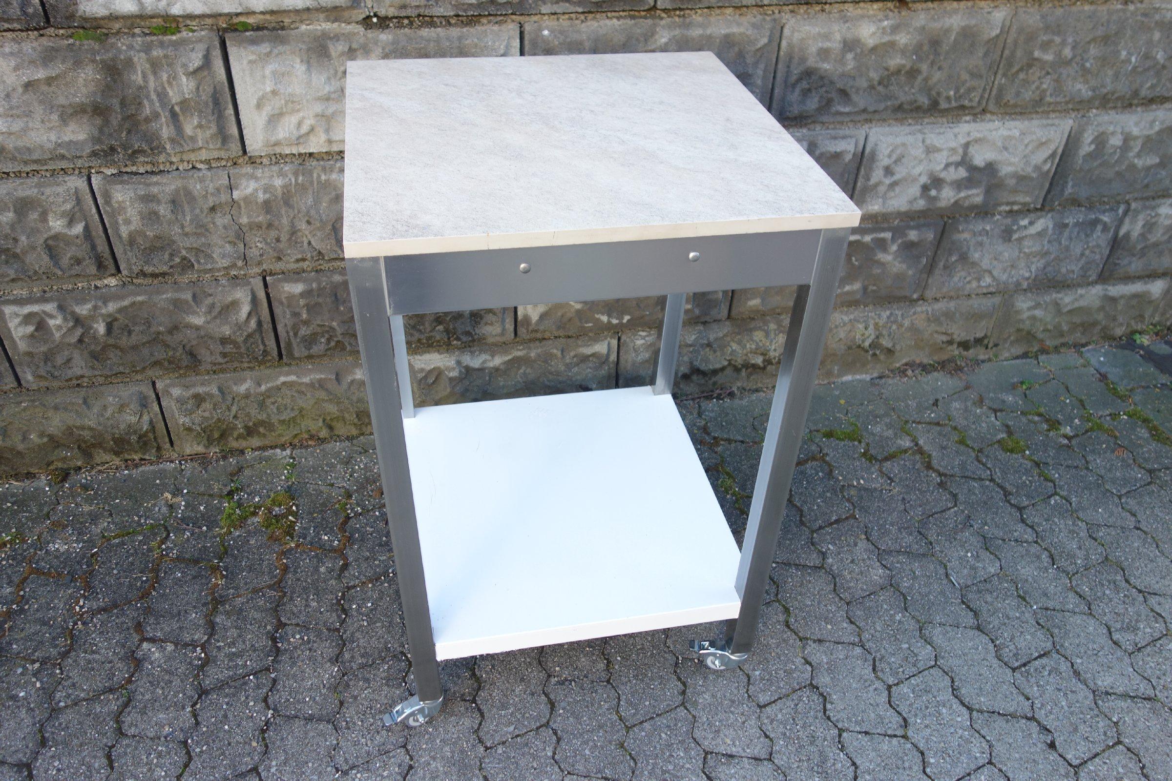 arbeitstisch edelstahltisch gastro beistelltisch tisch rollen edelstahl ebay. Black Bedroom Furniture Sets. Home Design Ideas